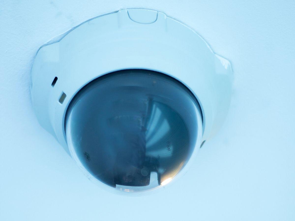 <h3>מערכת אזעקה או מצלמה נסתרת קטנה בבני ברק?</h3>