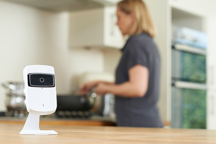 <h3>היתרונות של מצלמות אבטחה אלחוטיות</h3>