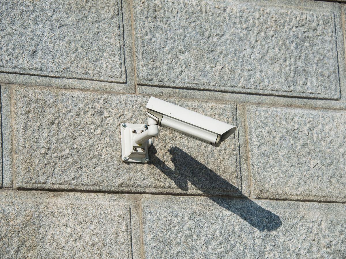 <h3>כמה עולה לבצע התקנת מצלמות אבטחה לבית בחולון?</h3>