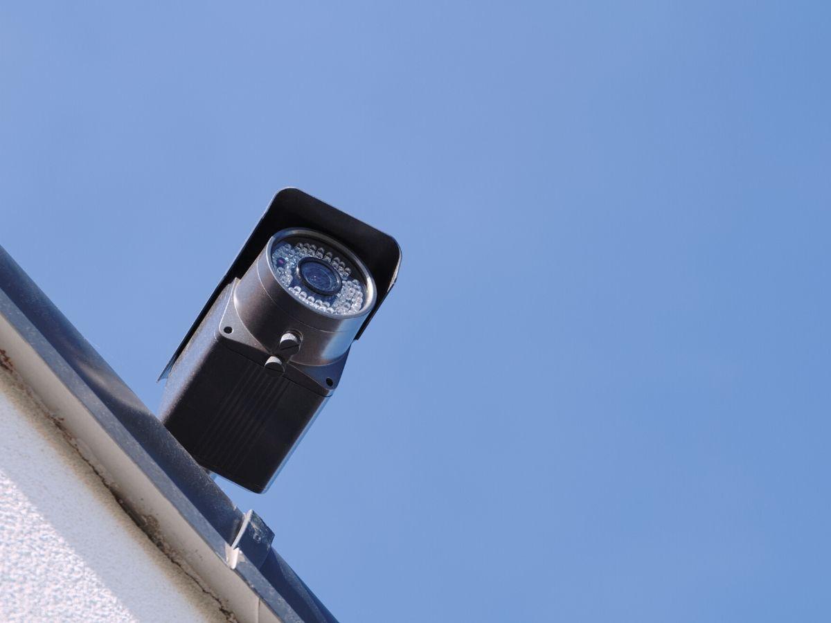 <h3>המהירות לא קובעת - התקנת מצלמת אבטחה בחולון</h3>