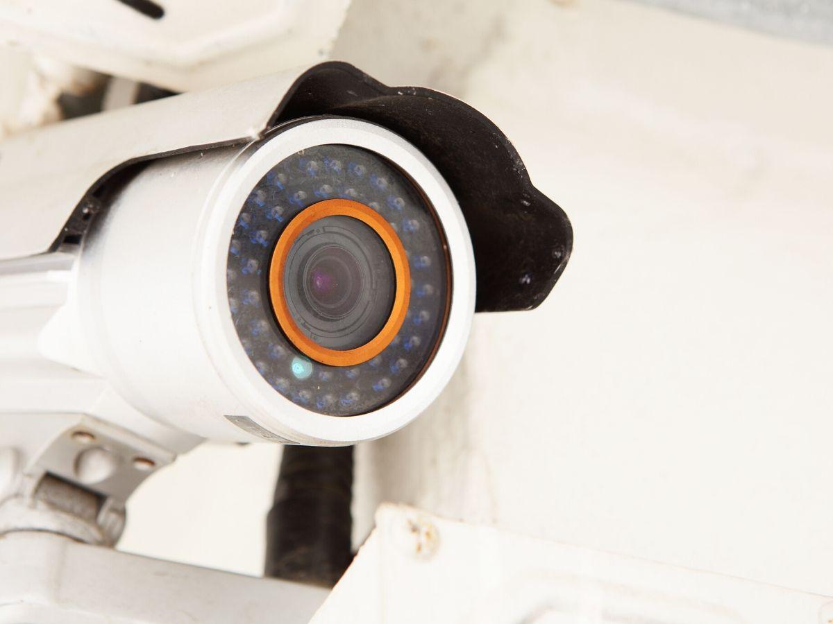 <h3>מי צריך להתקין מצלמות אבטחה דמה בראשון לציון?</h3>