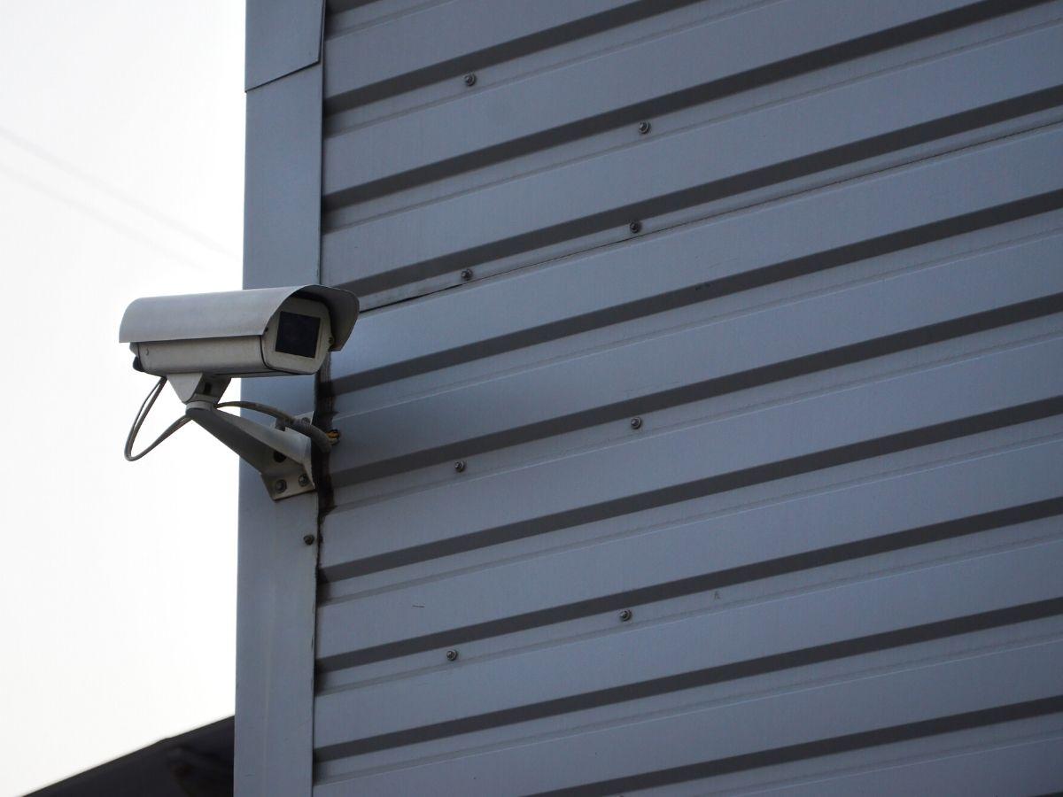 <h3>מצלמות אבטחה לחצר בראשון לציון מצלמות טוב גם בחושך?</h3>