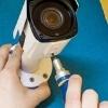 <h3>יתרונות וחסרונות של התקנת מצלמה אלחוטית באופן עצמאי</h3>